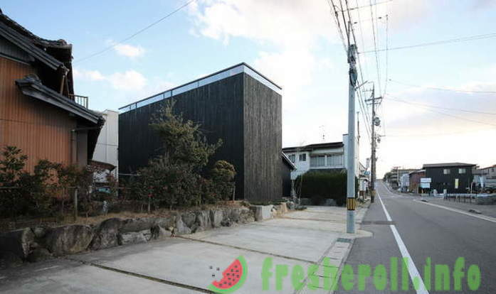 Black house with no windows in Japan