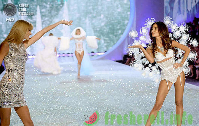 How did the fashion show Victoria's Secret 2013