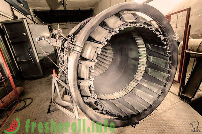Abandoned stands for testing of aircraft engines